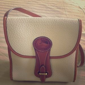 Vintage Dooney & Bourke sm Essex Bone Pebble bag